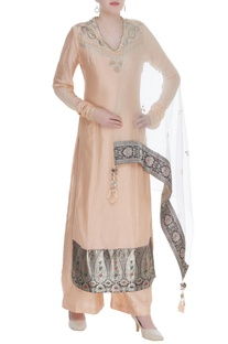 Gota pati & sequin embroidered kurta with pants and dupatta