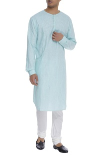 Arrow thread embroidered kurta