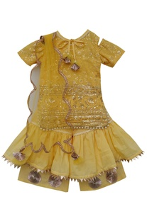 Embroidered kurta with net dupatta & sharara