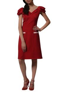 A line puffed sleeves dress