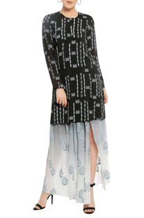 Dancing doll printed tunic with pleated skirt