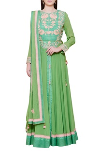 Embroidered anarkali kurta set with waistbelt