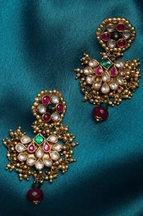 Kundan earrings with beads