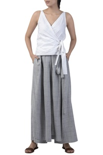 Box pleated overlap style skirt pant