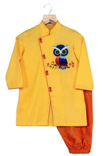 Overlap Owl Motif Kurta With Churidaar