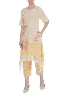 Asymmetric layered printed kurta