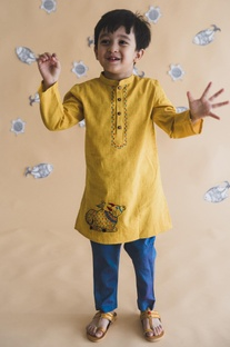 Threadwork embellished kurta with pants