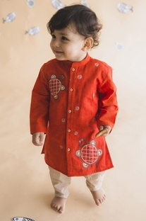 Tortoise embroidered kurta with pants