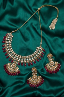 Stones & kundan paachi earrings with necklace