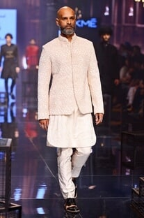 Vanilla kurta with embroidered bandhgala