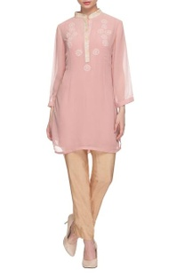 Baby pink collared kurta with threadwork