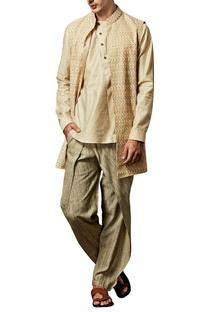 Cream ash textured pleated pants