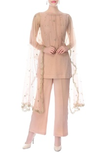Dusky pink kurta & pants with embroidered cape