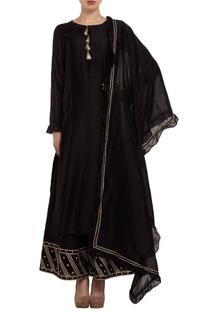 Black gota embroidered kurta set