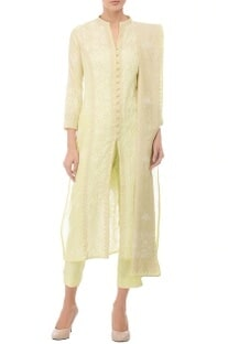 Pale yellow & ivory embroidered kurta set�