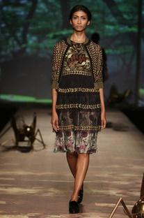 Black, olive & brown�foliage tiered dress