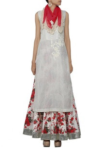 ivory-kurta-with-floral-printed-skirt-and-stole