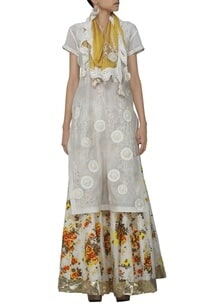 ivory-embroidered-kurta-with-floral-printed-skirt-and-stole