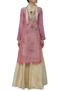 dusky-pink-floral-embroidered-kurta-with-beige-skirt-and-stole