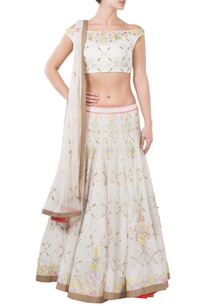 white-floral-embroidered-lehenga-set