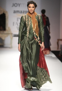 deep-green-embroidered-layered-kurta-with-skirt