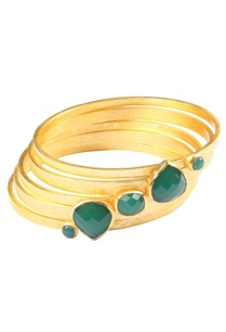 gold-plated-bangle-with-emerald-quartz