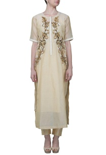 beige-embroidered-kurta-with-skirt-stole