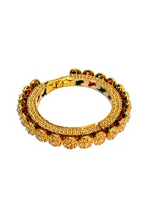 gold-plated-pearl-onyx-bangle