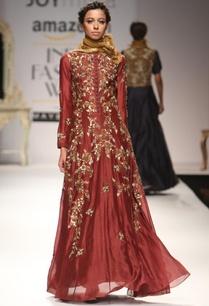 maroon-bug-floral-embroidered-anarkali