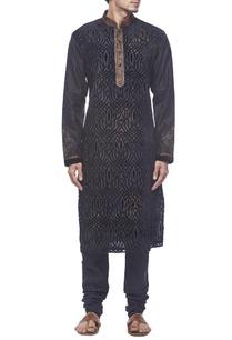 black-velvet-motif-kurta-set
