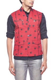 red-star-printed-zipper-bandi