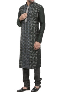 black-embroidered-classic-kurta
