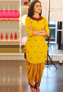 yellow-embellished-kurta-dhoti-pants
