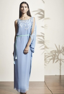 blue-thread-embroidered-kaftan
