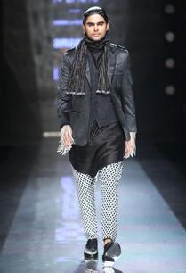black-white-drop-crotch-trousers