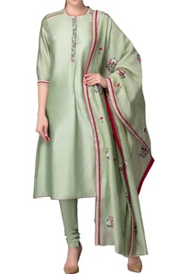apple-green-kurta-set-with-embroidery