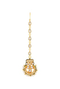 gold-plated-maangtika-with-studded-pearls