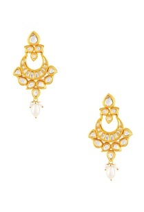 gold-polished-earrings-with-kundan-work