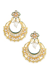 gold-polished-earrings-with-green-detailing