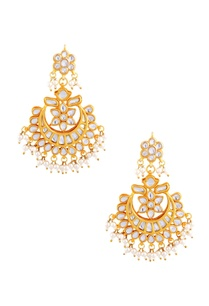gold-polished-kundan-and-pearl-work-earrings