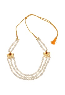 peal-layered-necklace-with-kundan-pendant