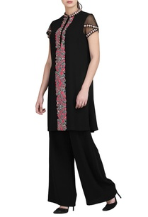 black-embroidered-kurta-trousers
