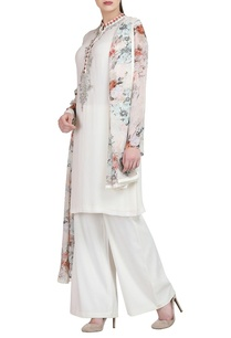 white-embroidered-kurta-with-trousers-dupatta