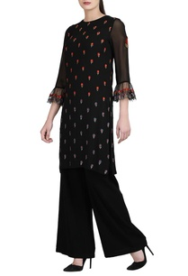 black-floral-kurta-wide-legged-trousers