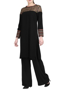 black-embroidered-kurta-black-trousers
