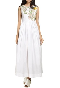 white-pleated-embroidered-dress