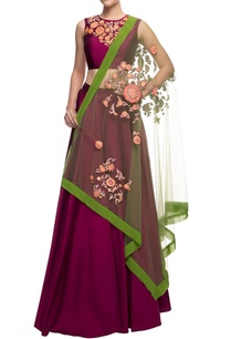 plum-embroidered-crop-top-and-skirt-with-green-dupatta
