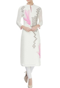 ivory-kurta-with-lotus-applique-and-threadwork