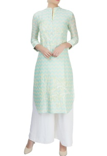 mint-kurta-with-chevron-pattern-and-embroidered-details