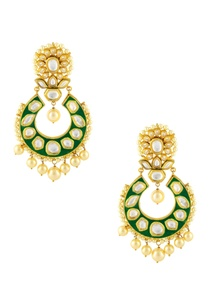 gold-finish-kundan-earrings-with-green-accent